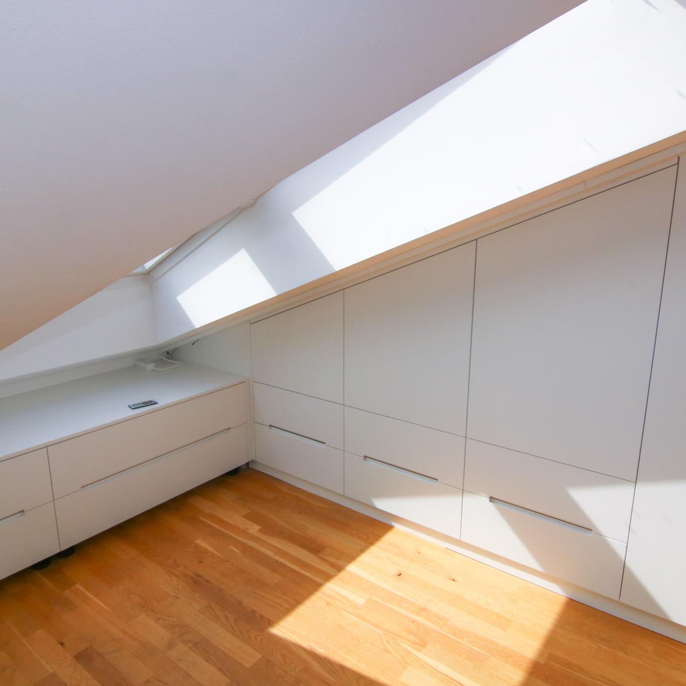 dachschr genausbau nach ma schrankidee peter dany m nchen. Black Bedroom Furniture Sets. Home Design Ideas